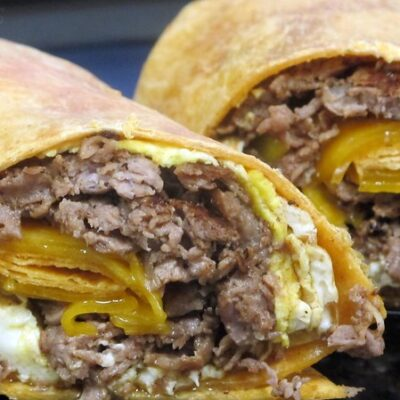 Delicious steak wraps with cheese