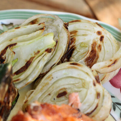 Grilled Fennel with White Dipping Sauce