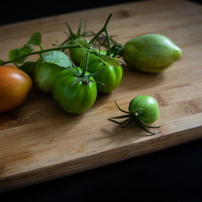 Grilled green tomatoes with Cajun Dressing