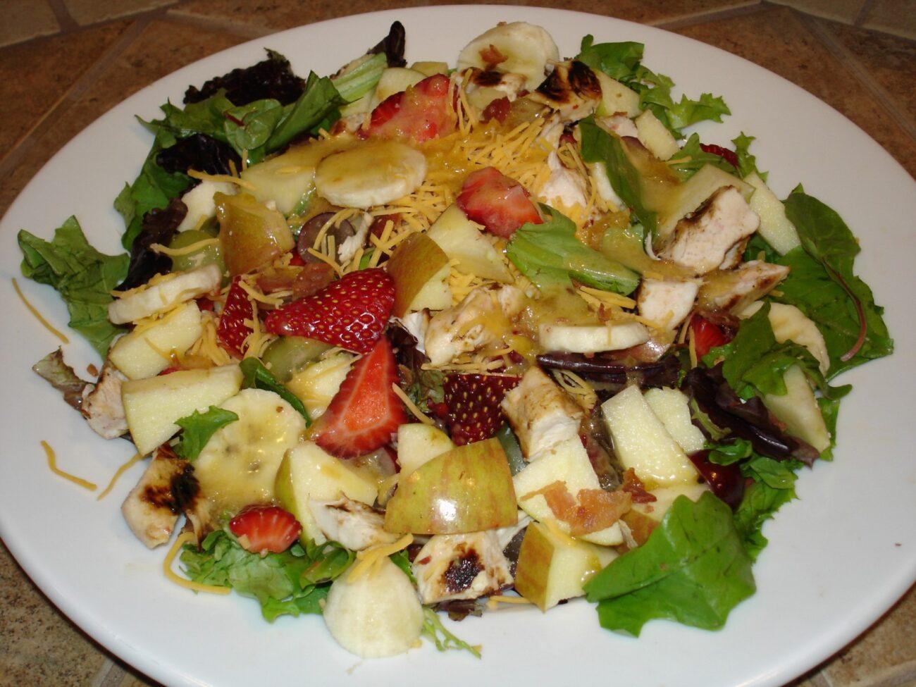 Strawberry-Mango Grilled Chicken Salad